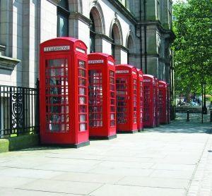 英国留学特色地标—英红色经典电话亭
